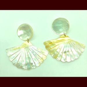 🐚🐚Very large vintage MOP earrings🐚🐚